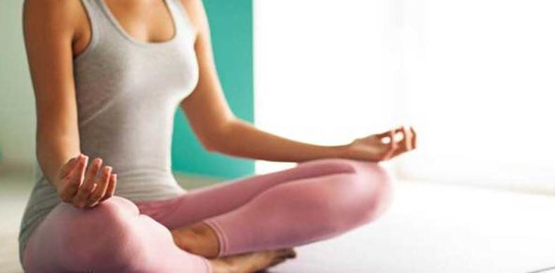 4 прості вправи з йоги для зняття стресу