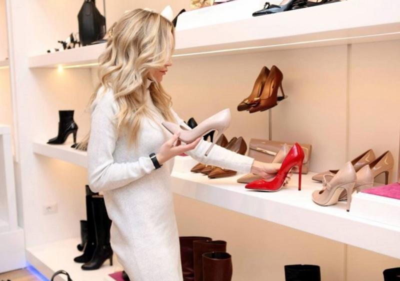 Взуття для жінок з низьким ростом: Поради як  правильно підібрати
