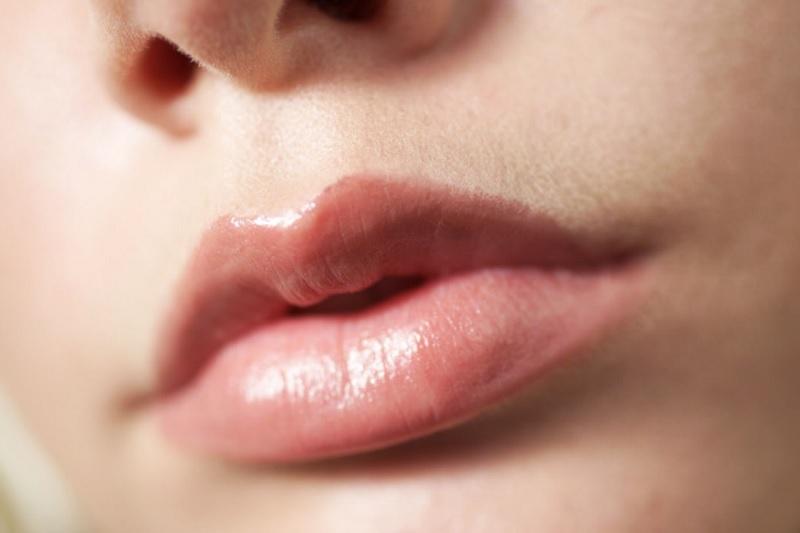 Як збільшити губи в домашніх умовах - народні методи
