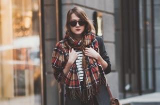 Як  стильно носити шарф  в 2017-2018 році