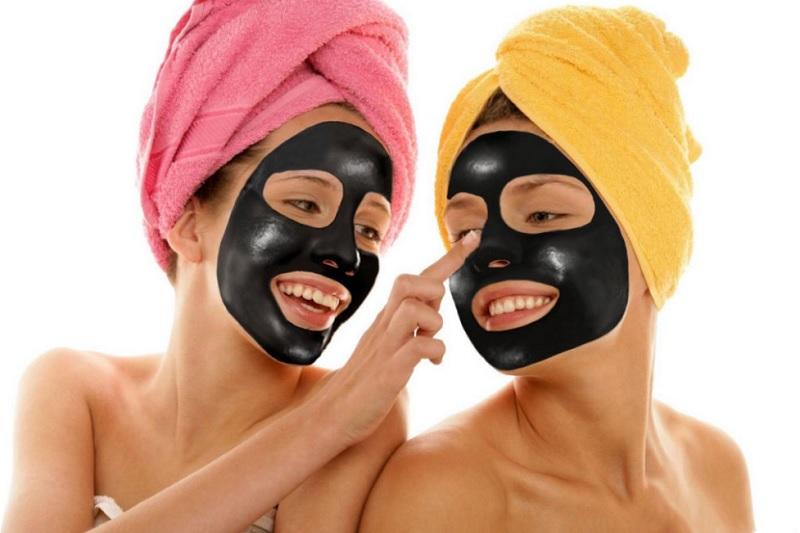 3 найкращі рецепти чорної маски від чорних цяток