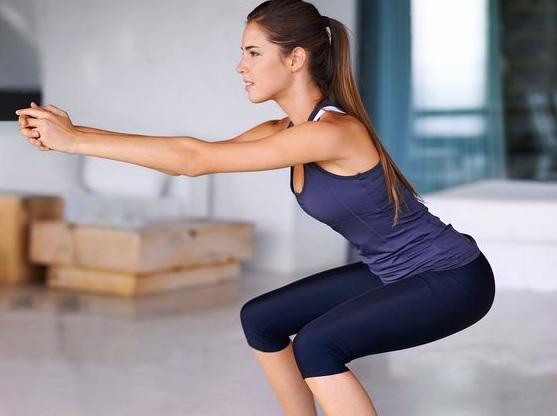 3 варіанти виконання вправи присідання, для ідеальних сідниць та ніг