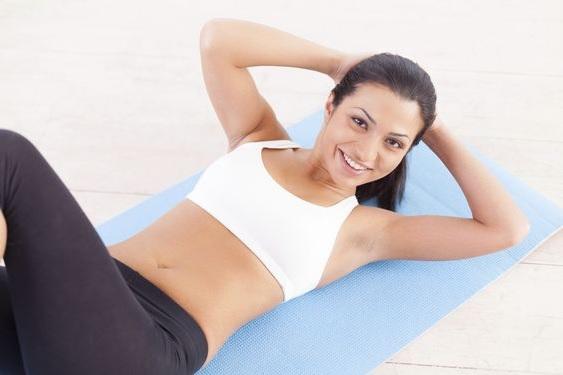 5 вправ для схуднення живота вдома за 5 хвилин в день (відео)