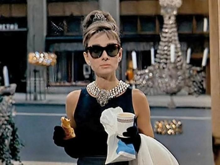 5 найкращих фільмів, які створили стиль Одрі Хепберн