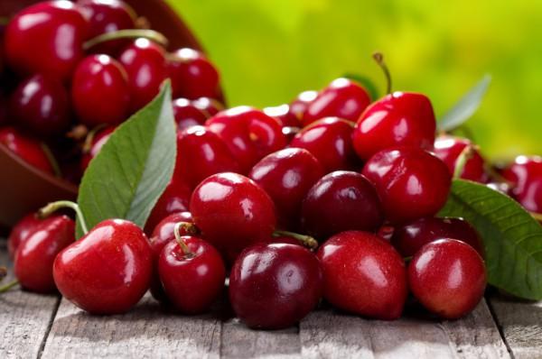 cherry.jpg (.81 Kb)