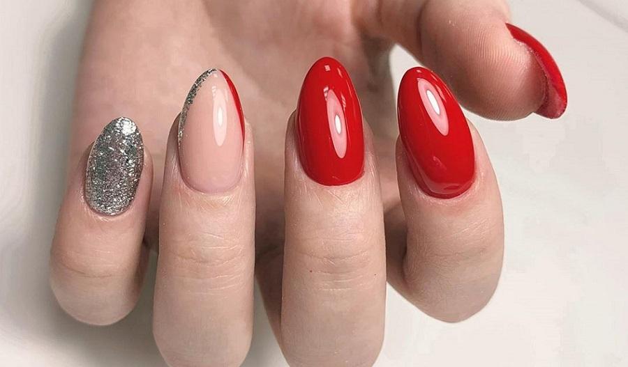 Червоний манікюр на довгі нігті