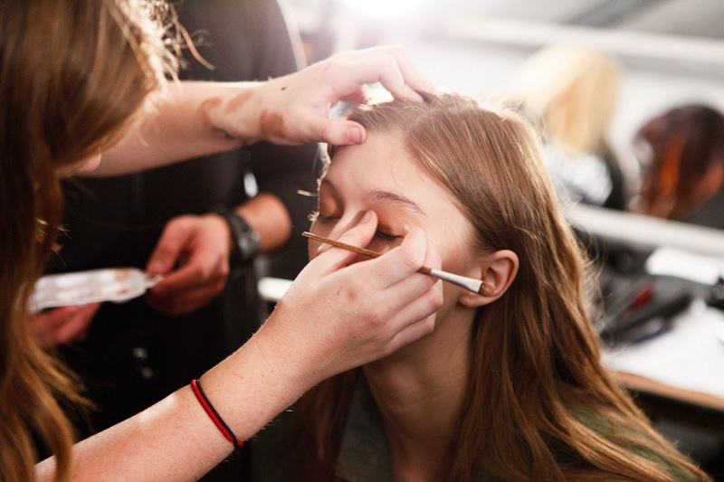 Універсальний денний макіяж  (Відео)