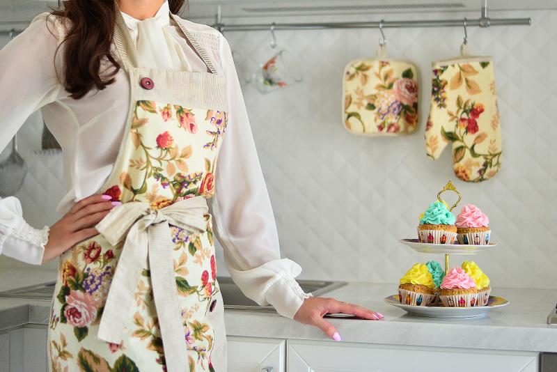Жіноча справа: Чому головний бухгалтер почала шити кухонні фартушки