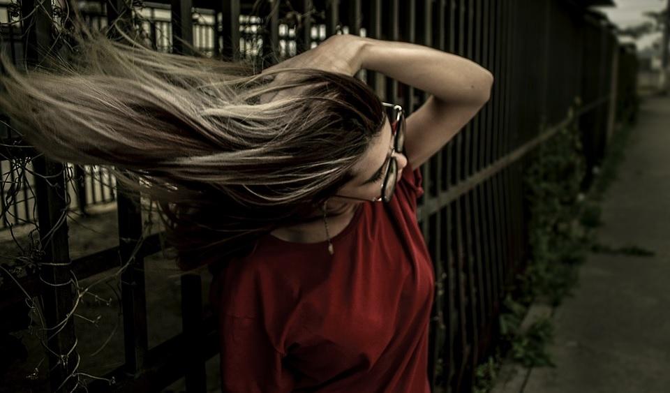 Місячний календар фарбування волосся на лютий 2021