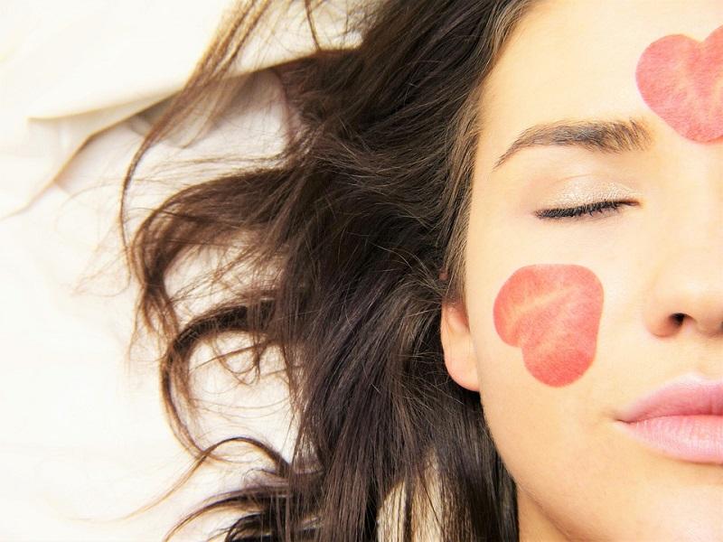 Маски для жирної шкіри обличчя: 5 кращих рецептів