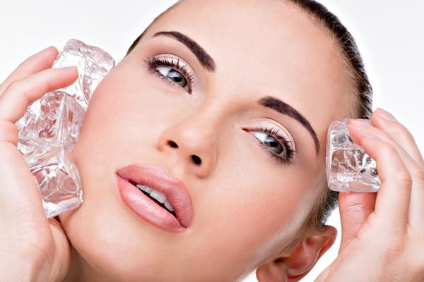Кубики льоду для обличчя: Неперевершений ефект для будь-якої шкіри