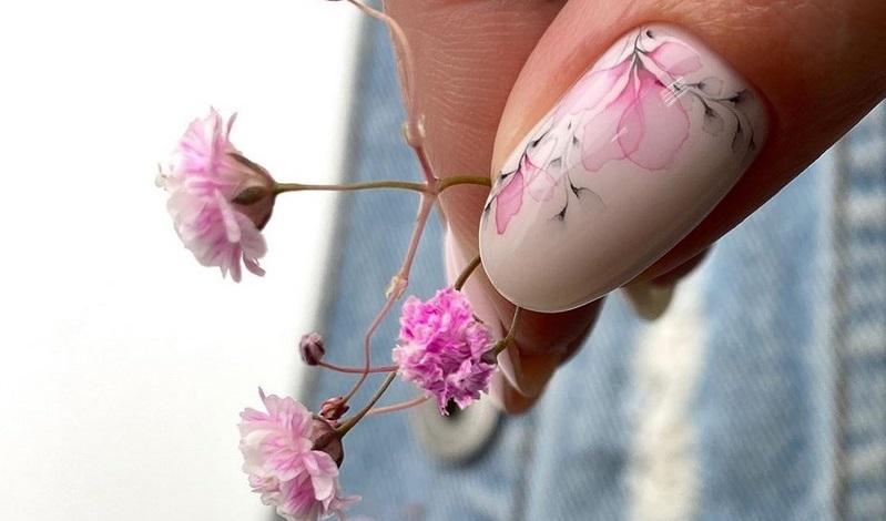 Манікюр на короткі нігті весна-літо 2021