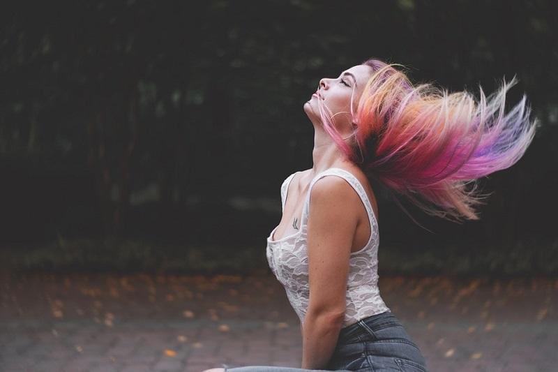 Місячний календар фарбування волосся на квітень 2019