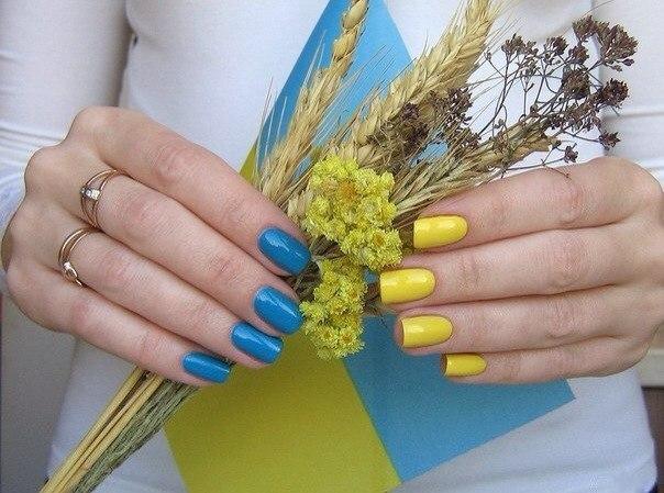 Україна в тренді! 40 ідей манікюру в українському та патріотичному стилі