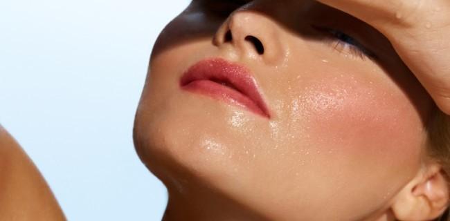 Як доглядати влітку за жирною шкірою
