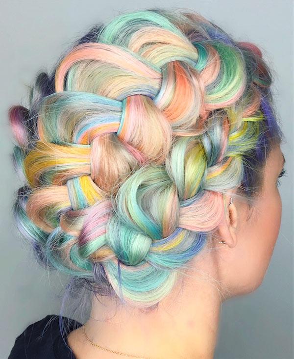 Новий весняний тренд у фарбуванні: цукеркове волосся