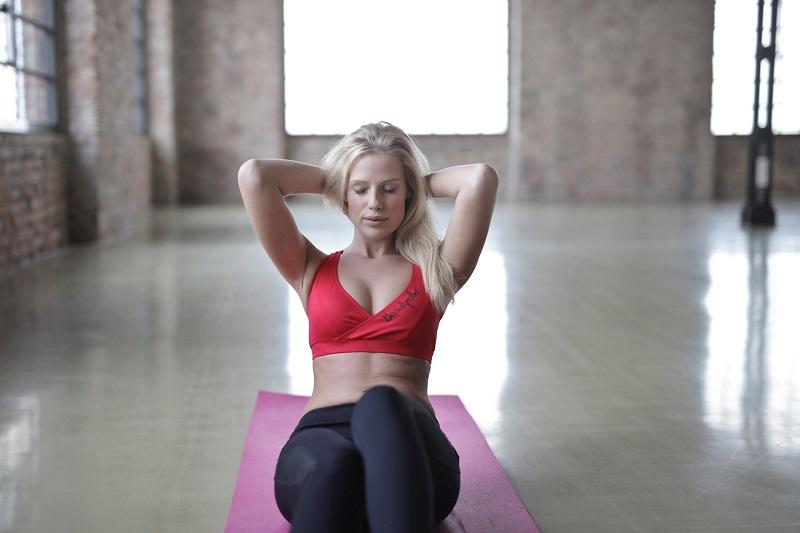 Плоский живіт за 4 тижні: календар вправ