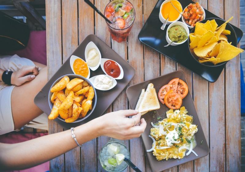 Правила харчування для жирної і проблемної шкіри