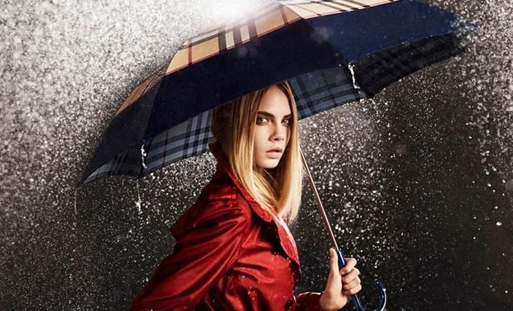 5 порад, як зробити зачіску для дощової та вітряної погоди