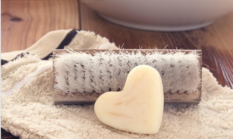 Секрет ідеального тіла: сухе розтирання шкіри щіткою