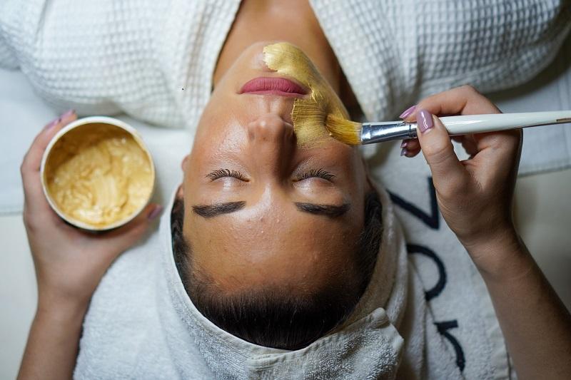Як звузити пори на обличчі: 7 кращих масок в домашніх умовах