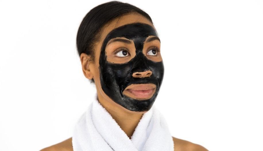 Основні три маски для жирної шкіри обличчя, схильної до акне