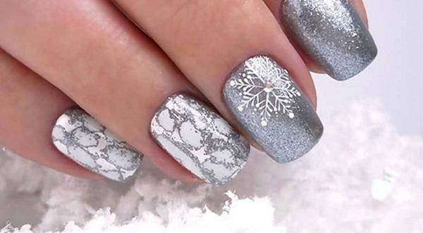 Зимовий манікюр на короткі нігті